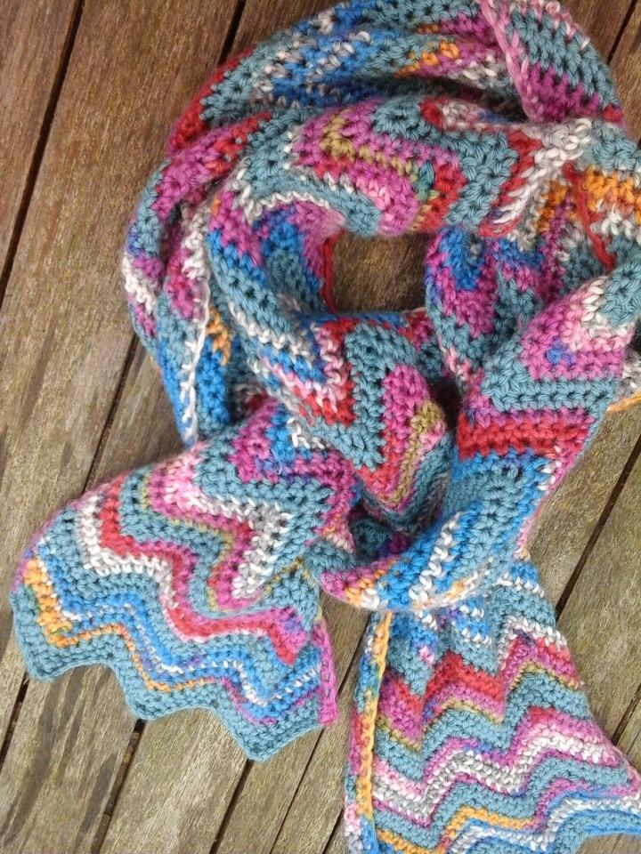 new zig zag scarf image
