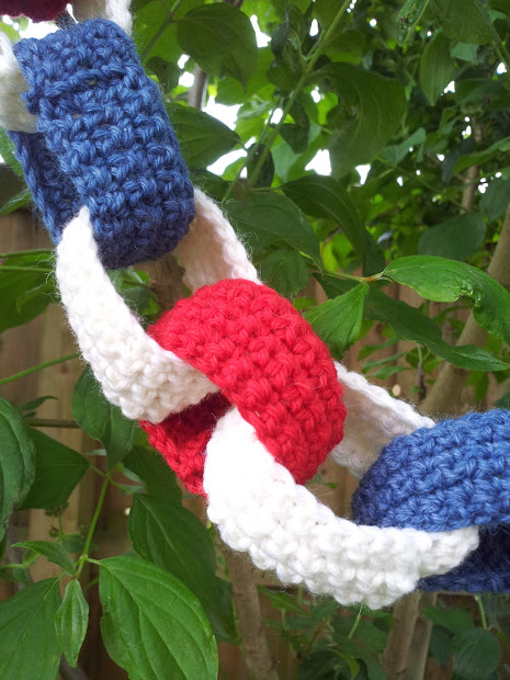 crochet paper chains