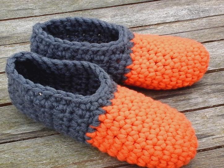 Simple toe up slippers in Myboshi yarn