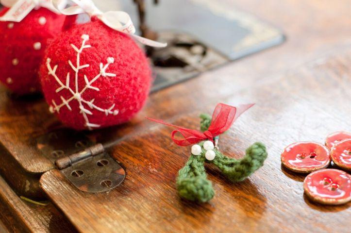 Crochet Mistletoe free pattern