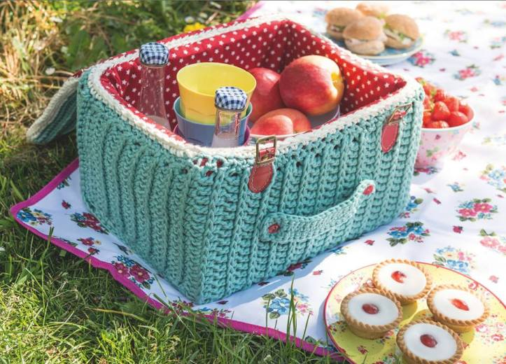 Love Crochet picnicn basket