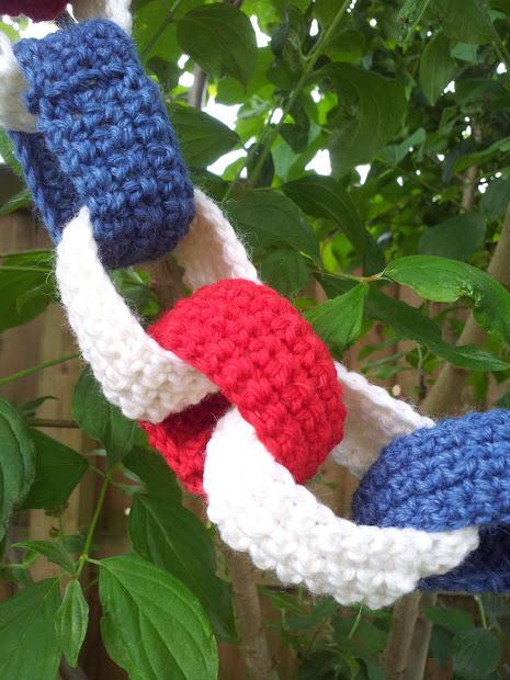 crochet paper chains.jpg